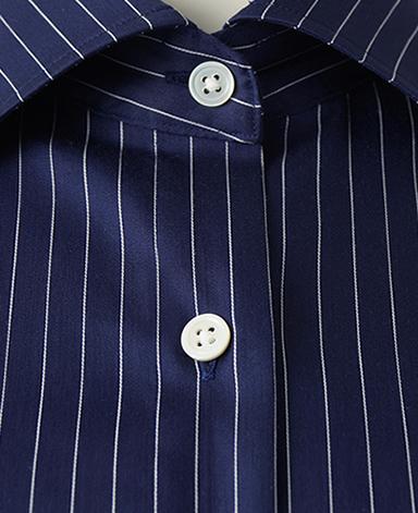 半袖スリムベーシックシャツ